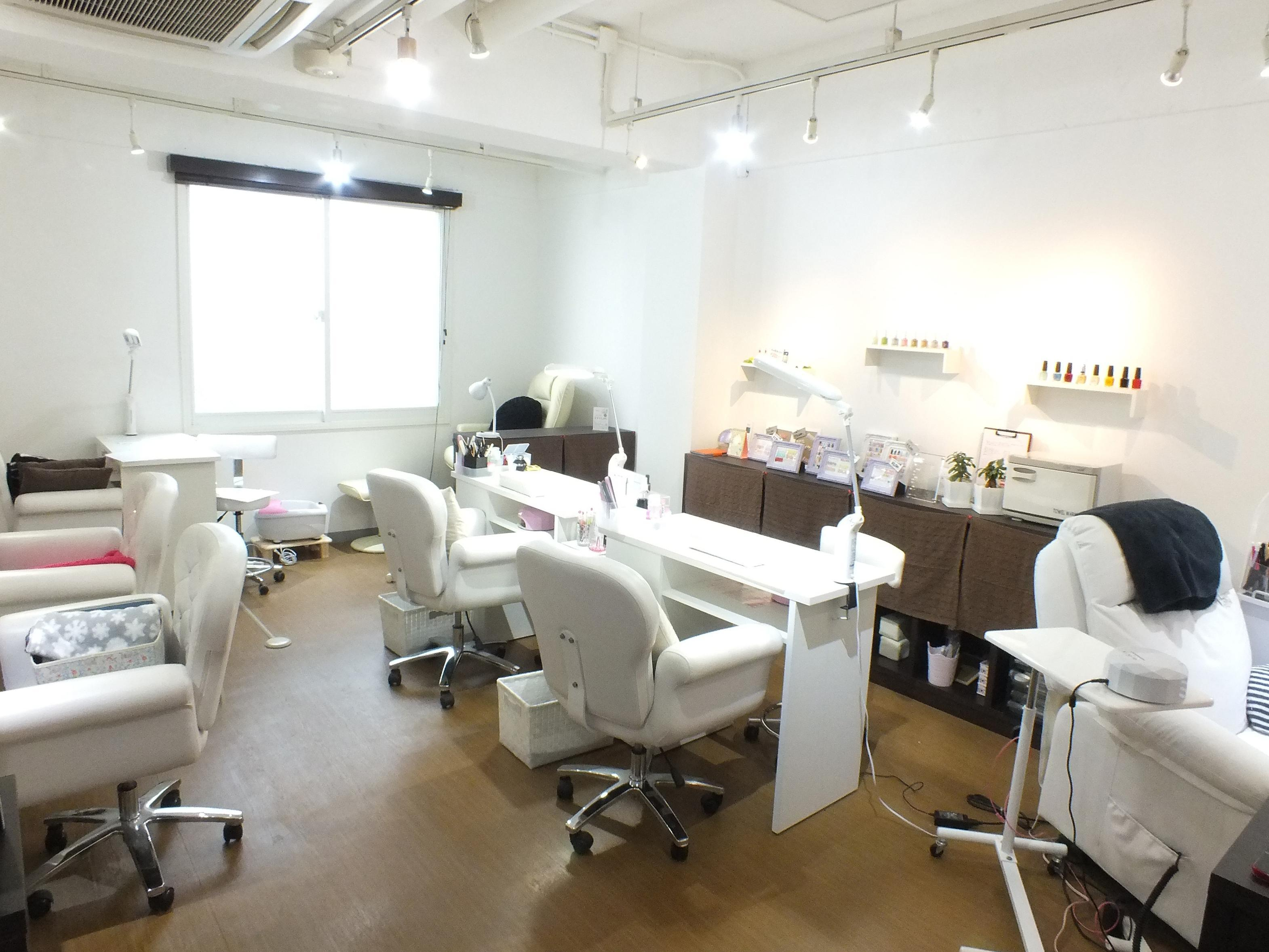Nail salon Aulii