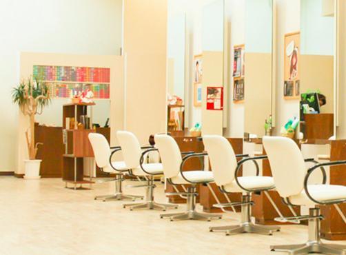 安心の教育システムで美容師ライフを楽しもう!Urun 札幌苗穂店